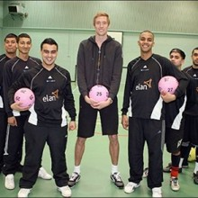 peter-crouch-with-under-18[1]